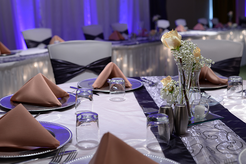 Wedding Table Detail With Uplighting At Head Table Ghidorzi