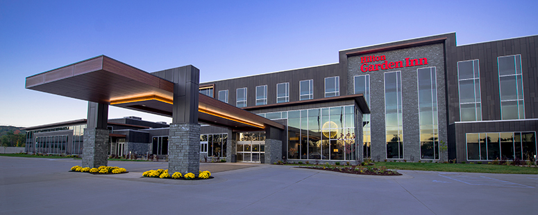 Hilton Garden Inn Wausau Entrance